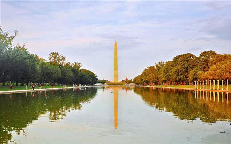 华盛顿全市的建筑物都不超过华盛顿纪念碑的高度