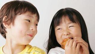 3类食物别让孩子吃,已列入黑名单,不仅让孩子性早熟还影响长高