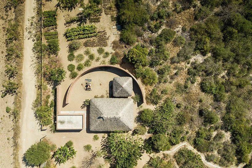 墨西哥卡萨瓦比的粘土凉亭!Cr.阿尔瓦罗·西扎