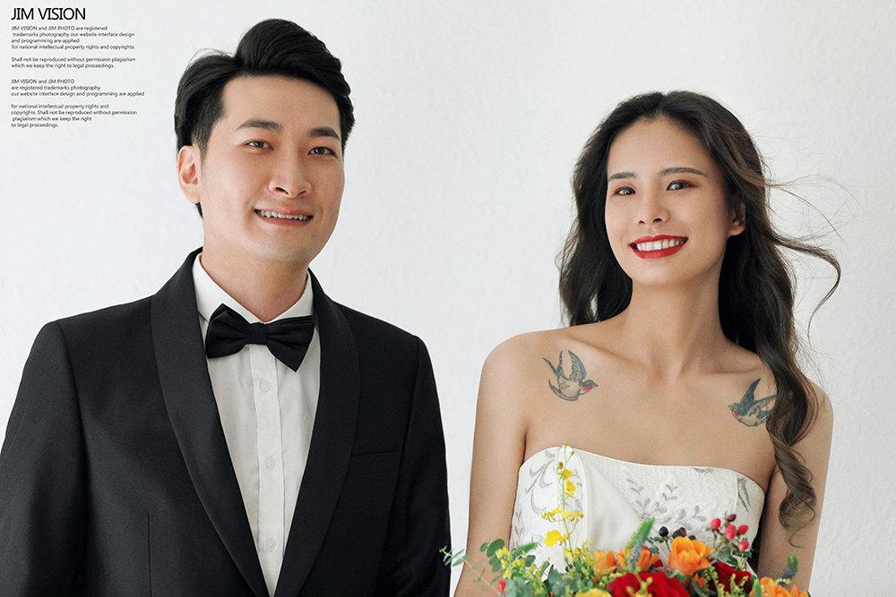 百看不厌的纯色背景室内婚纱照
