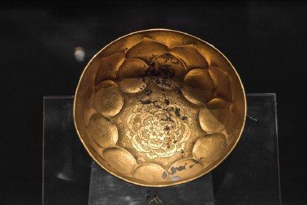唐代金银器中的Top1——鸳鸯莲瓣纹金碗