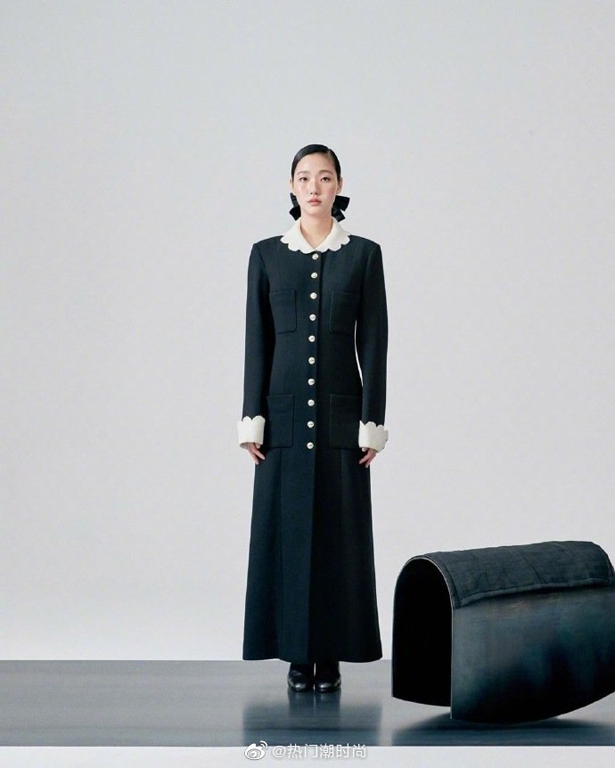 韩国女星金高银的香奈儿质感大片|身着剪裁利落的军装风大衣