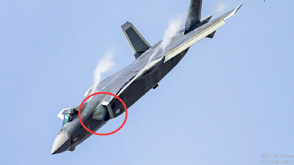 歼20进气道空中变形,复合材料已反超F22!DSI技术上演田忌赛马