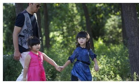 李湘对女儿够舍得花钱了,看了叶一茜女儿后,网友:这才叫富养