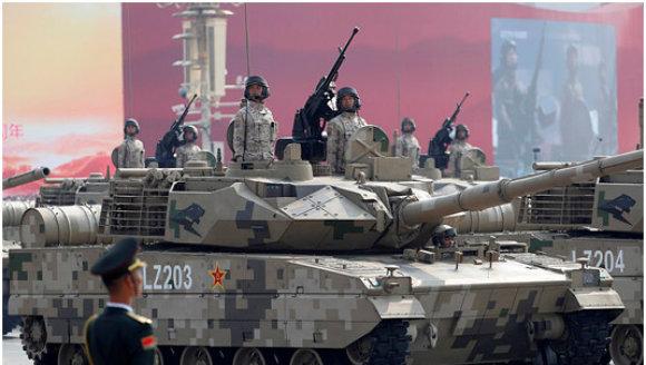 解放军多款新型重武器集中换装高原部队,印媒主动对号入座,强扯边境问题