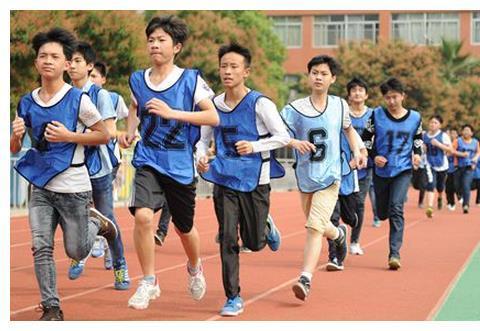 初中学生引体向上全军覆没!现在青少年的身体素质都怎么了?