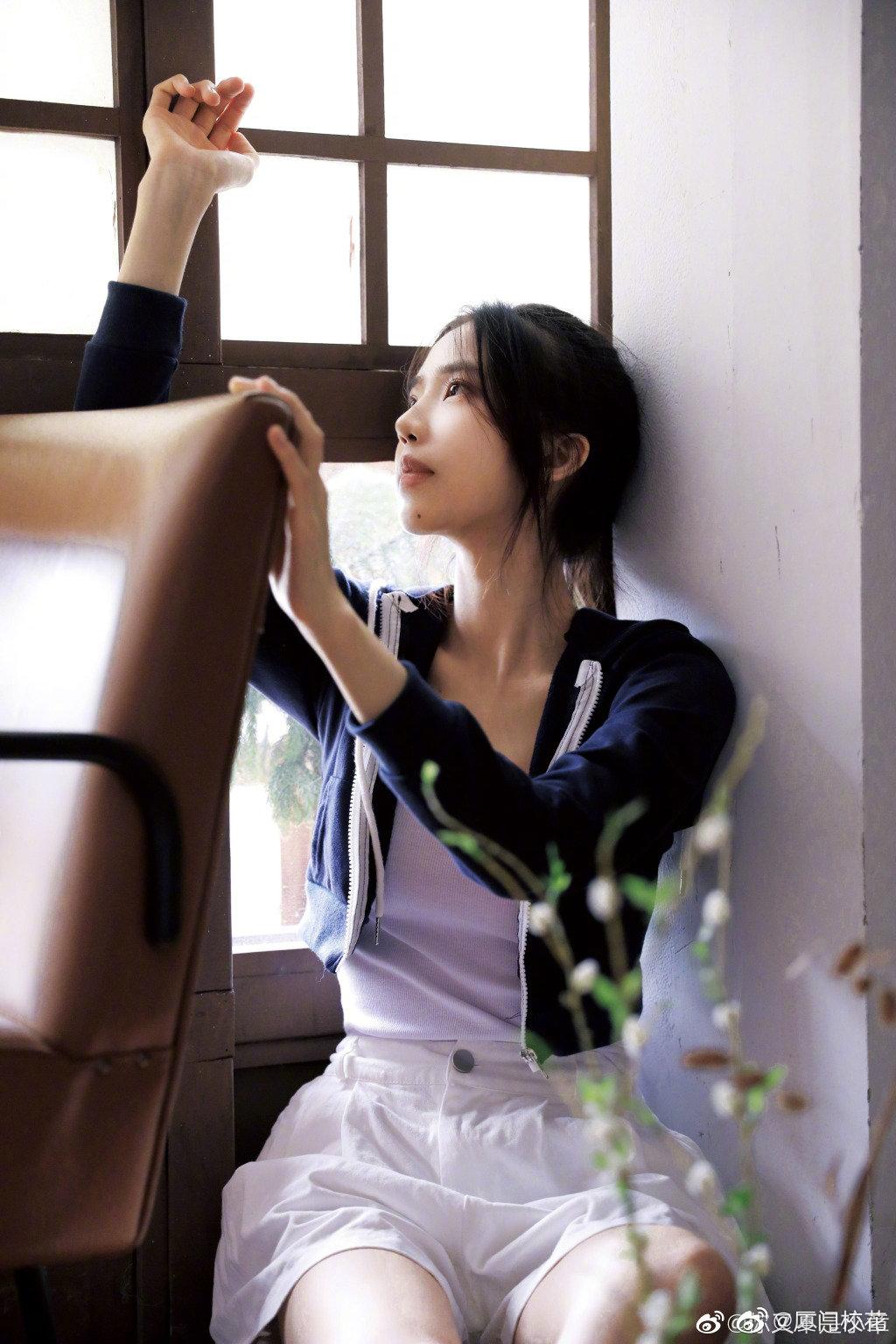 她叫章梓馨,播音专业在读,00年,身高168cm,很有气质的女生