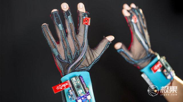 聋哑人士福音!加州大学研究出一款可用于手语教学的高科技手套