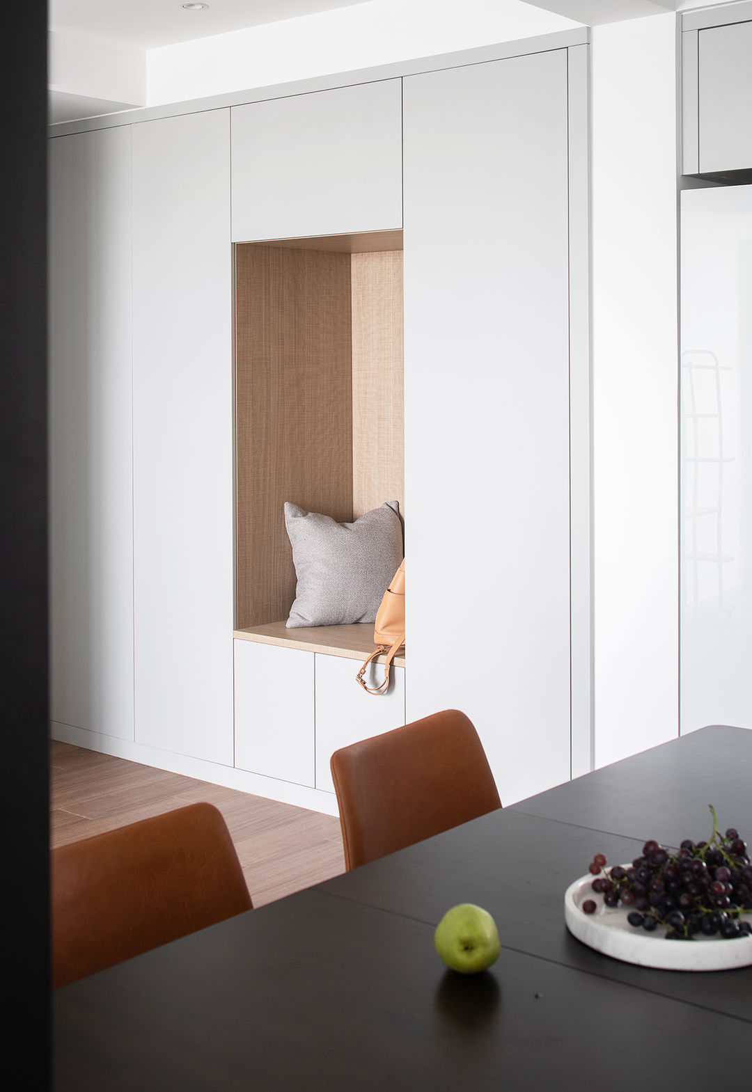 现代简约风格住宅丨深白设计赋予家倍感舒适的仪式感