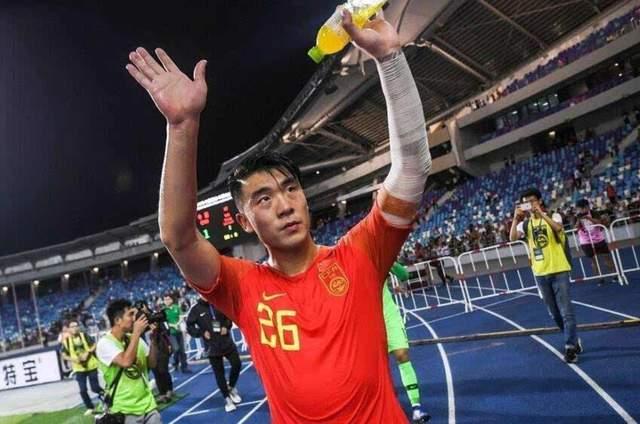 足球报:石柯将随鲁能前往广州集训,卡达尔可能离队