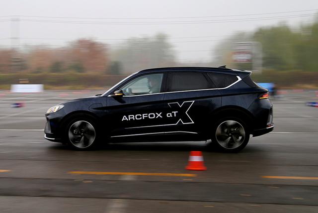 深度试驾ARCFOX极狐αT,关于它,你必须知道的5件事