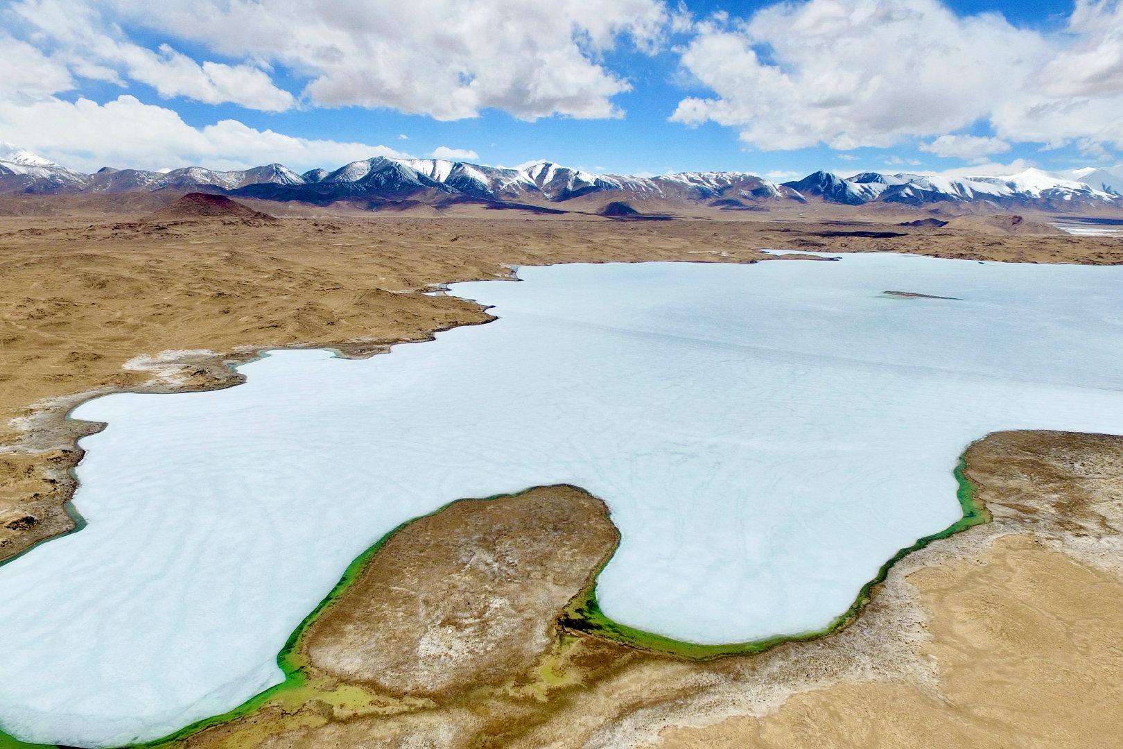 阿什库勒盆地位于新疆于田县以南的昆仑山中