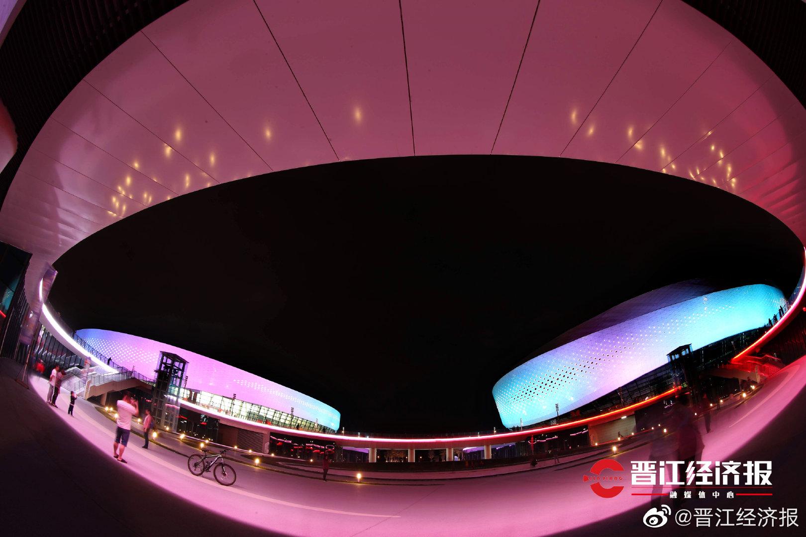 更多变化!更加梦幻!晋江二体中心再次调试夜景灯光