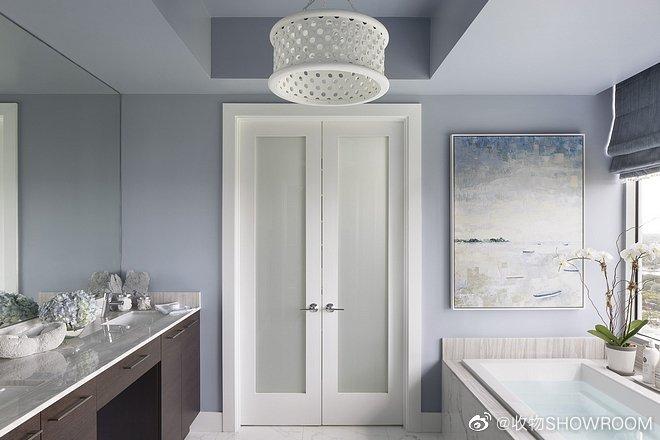 佛罗里达沿海公寓室内设计简洁和热烈风格的交替为房屋带来折衷的感