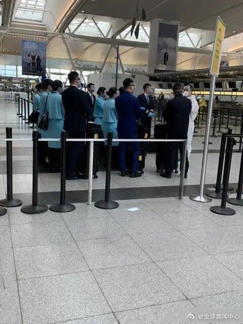 3月28日,留美学生从美国回国,在纽约机场, 几个留学生连测6次