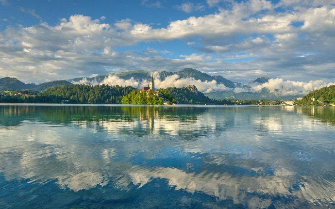 斯洛文尼亚,风景优美,山青水绿,,幽静安宁。