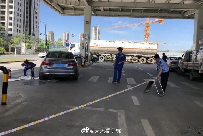 37℃高温天,杭州一加油站内突发惊险一幕