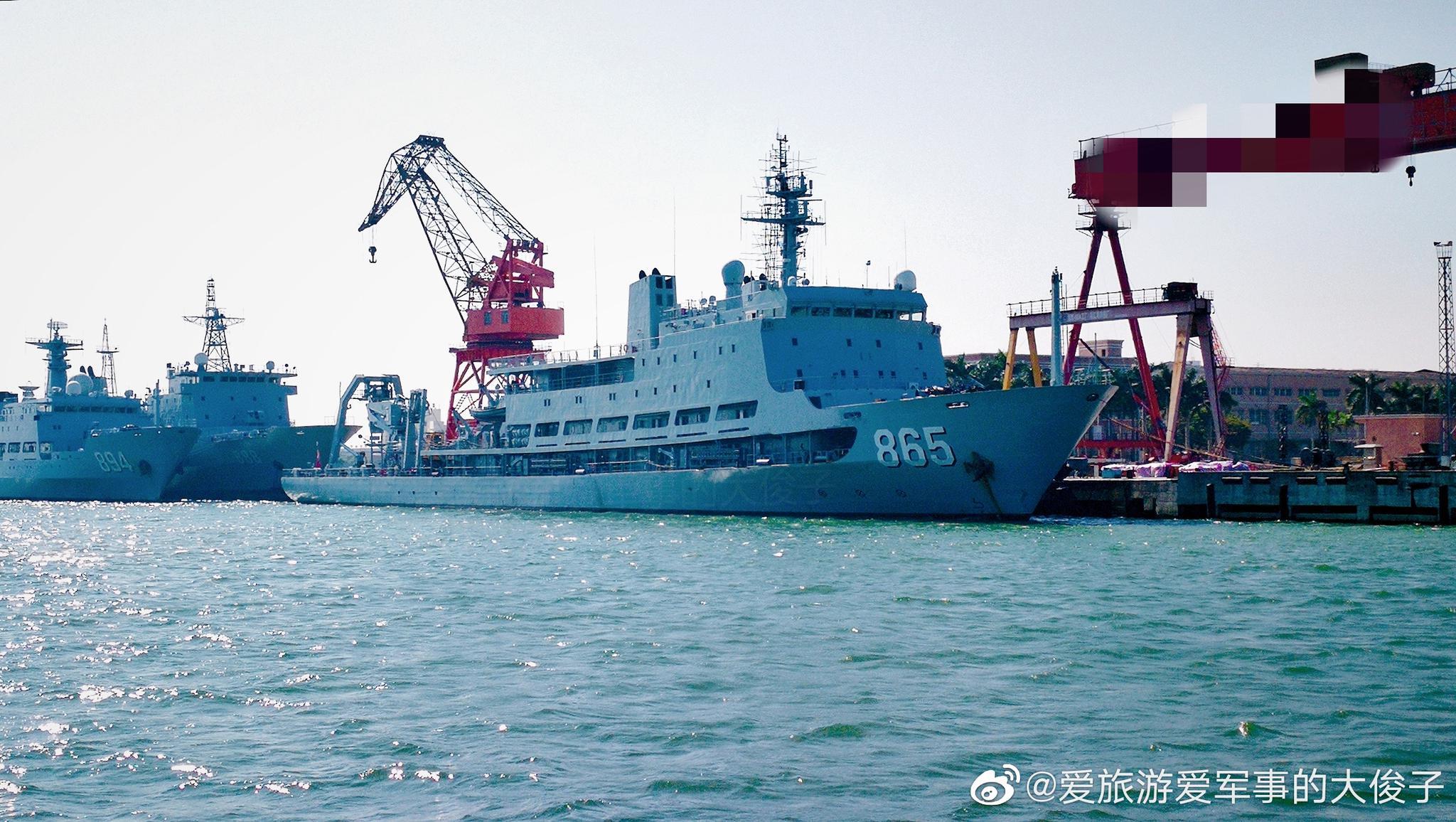 926型潜艇支援舰刘公岛舰