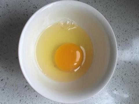 煮荷包蛋,不要开水下锅,牢记这3点,荷包蛋又圆又鼓,口感好
