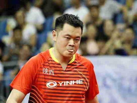 那位在乒乓球全锦赛大放异彩的老将侯英超到底什么来路呢?