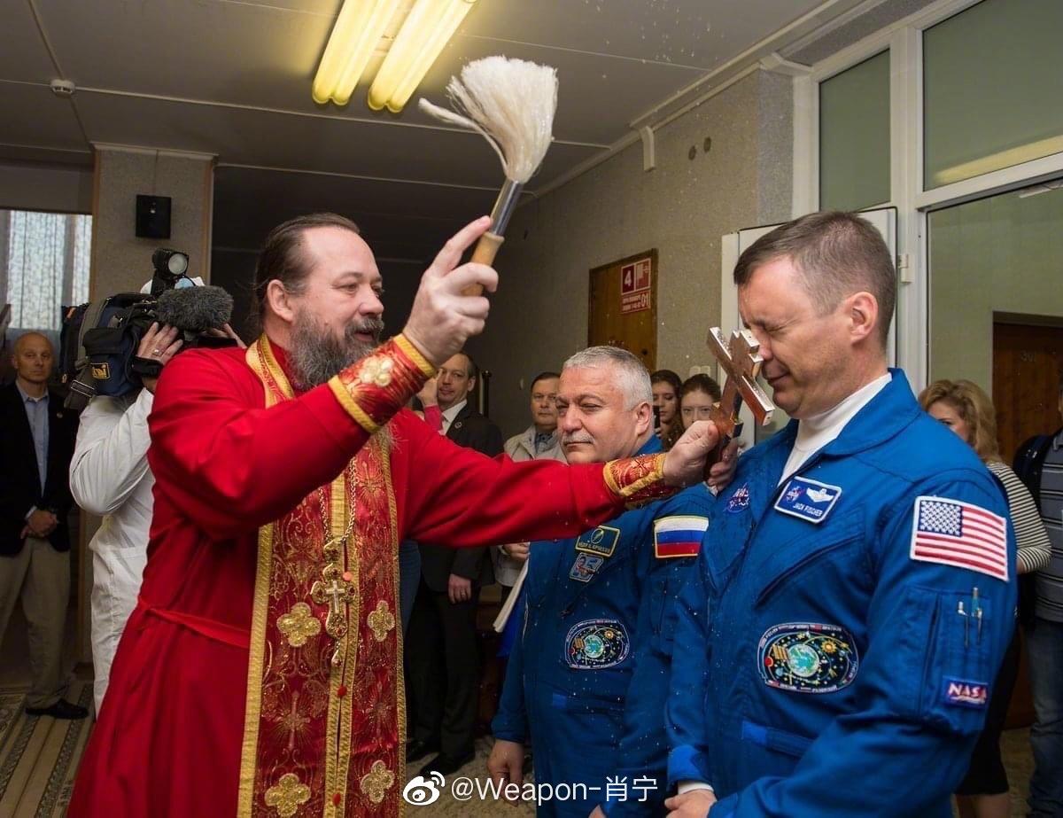 接受斯拉夫的信仰暴击——谢尔盖神父是俄罗斯航天国家委员会的成员