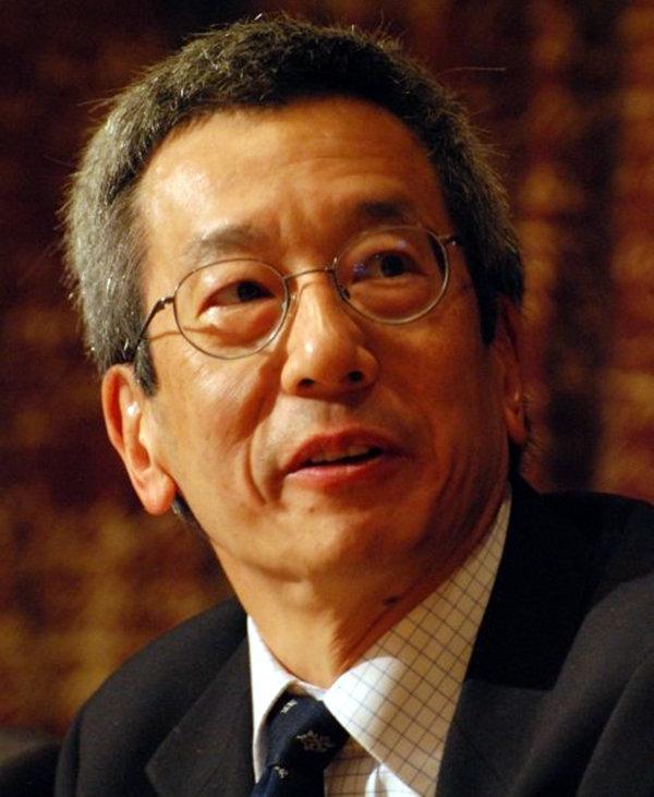 科学是否有国界?华裔科学家钱永健获诺奖,公开表示:我是美国人