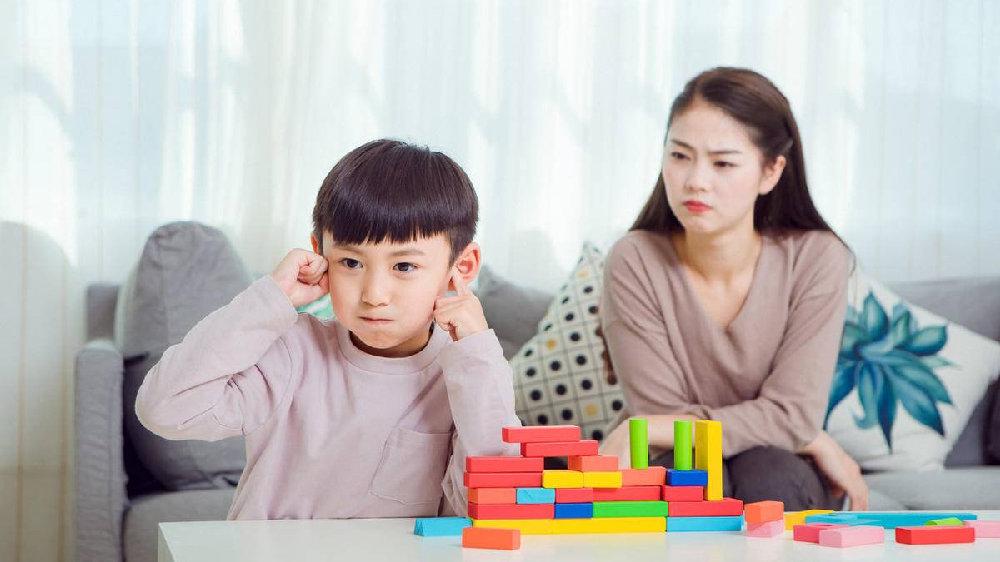 """""""还是吼一顿管用!""""孩子患上""""吼叫依赖症""""?你最好改改话术"""