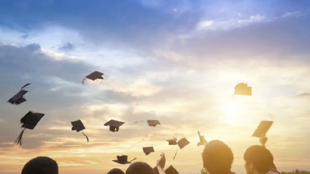 2020年大学生就业报告:薪资排名第一又是这个行业