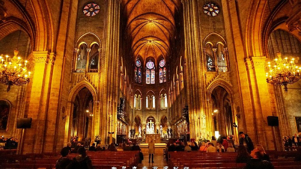 法国象征千年巴黎圣母院烧毁,中国人赢得重建大赛金奖,期待重生