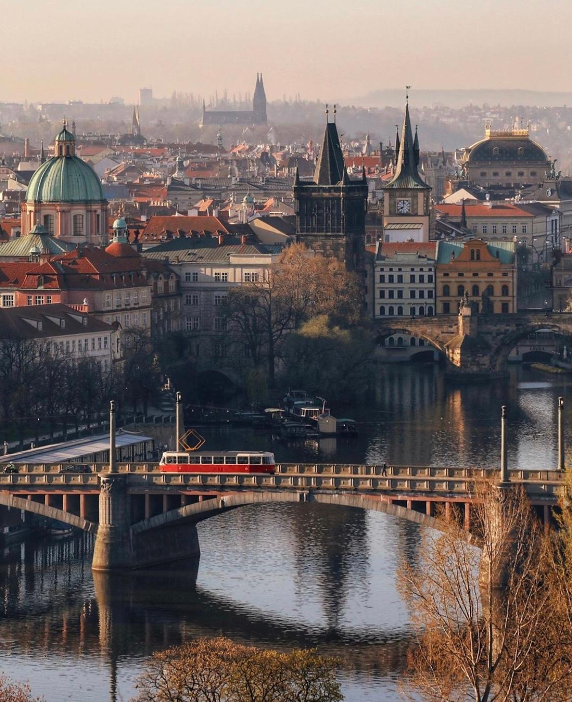 捷克布拉格的深秋,有着太多动人的故事。