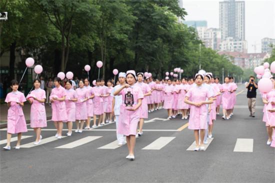 """国际护士节:""""红色基因""""与""""提灯女神""""在湖南中医药大学相遇"""