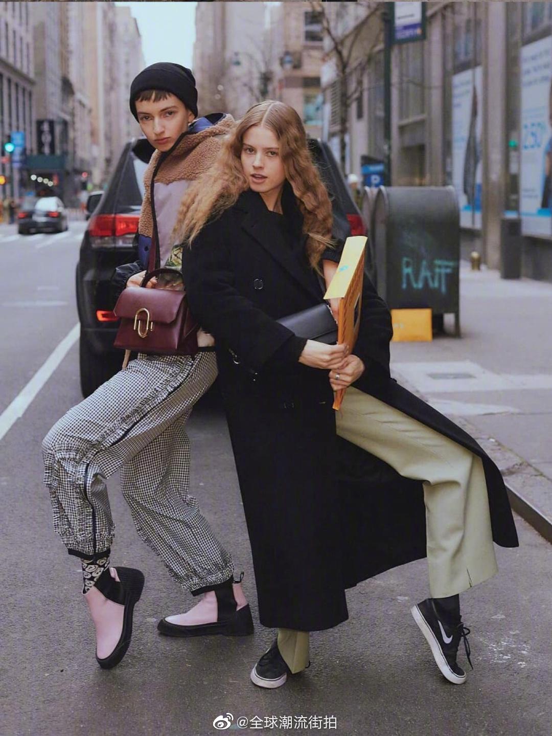 纽约街拍充满活力的少男少女