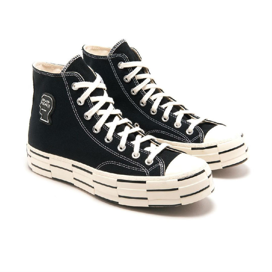 Brain Dead x CONVERSE Chuck 70 联名曝光这款联名鞋款整体配色以黑