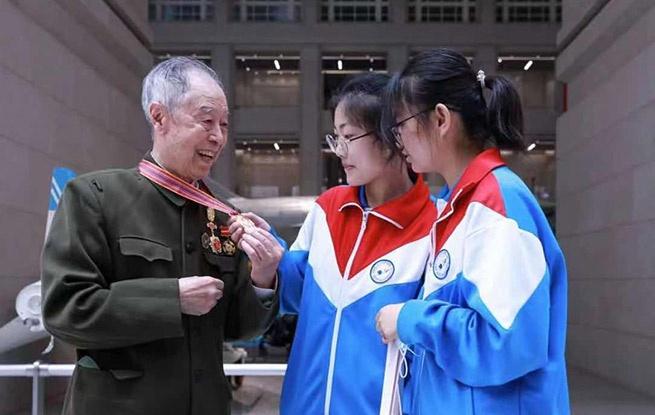 东城区抗美援朝军休干部代表军博举行宣誓活动