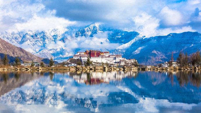 西藏不在拉萨,不在布达拉宫,不在大昭寺——它,在路上。