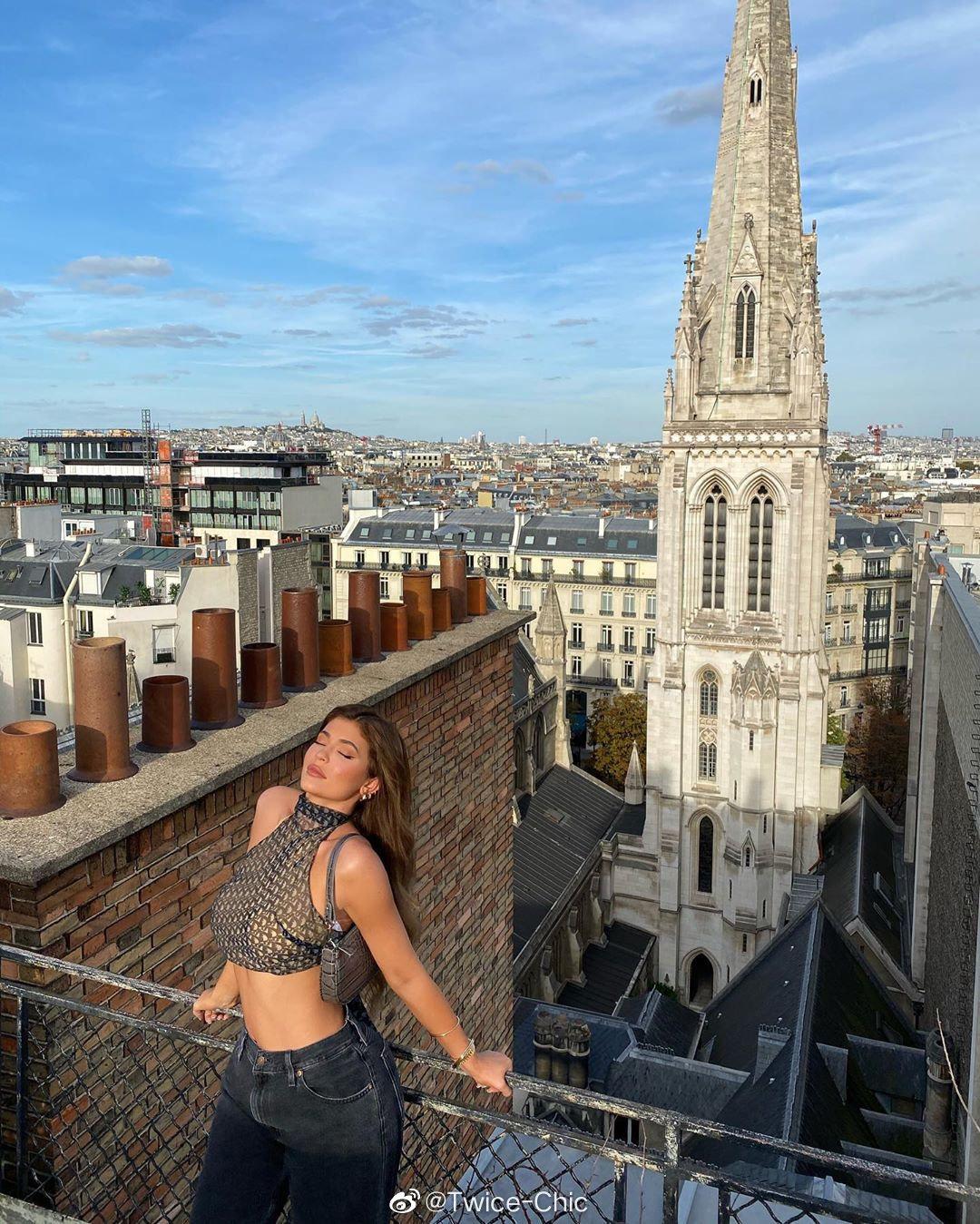 Kylie Jenner | 与好友的巴黎一日行