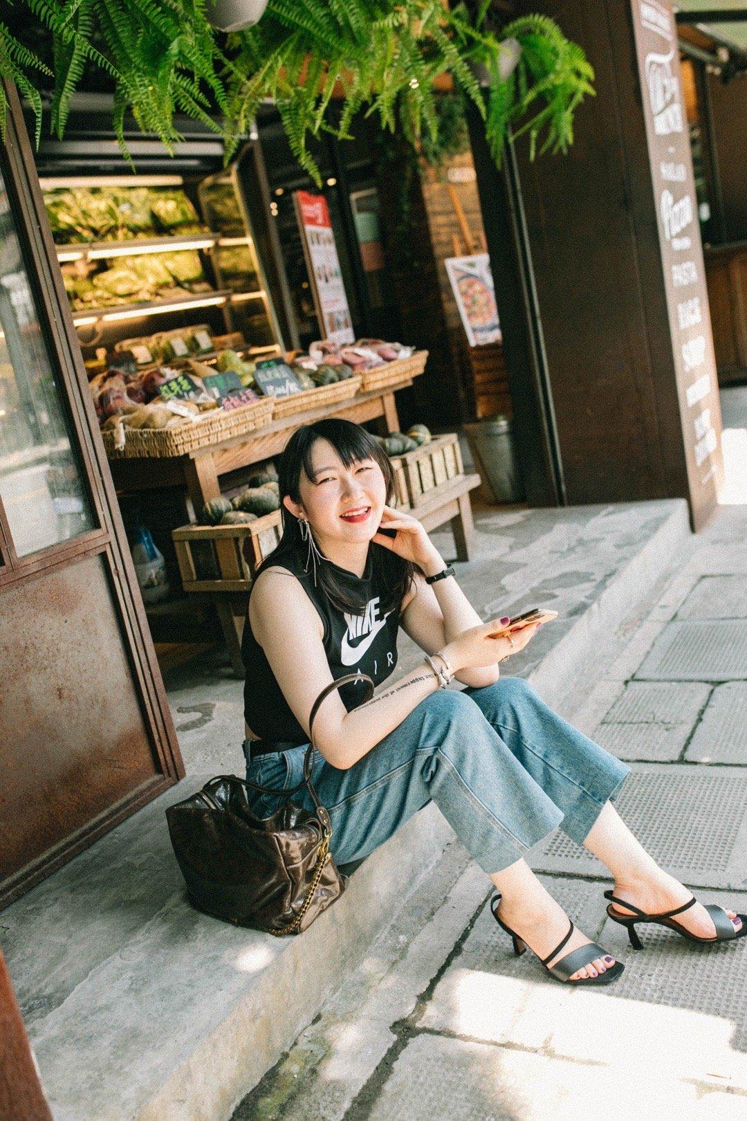 章小蕙说,再时髦再漂亮的衣服都只是衬托着个人气质而已