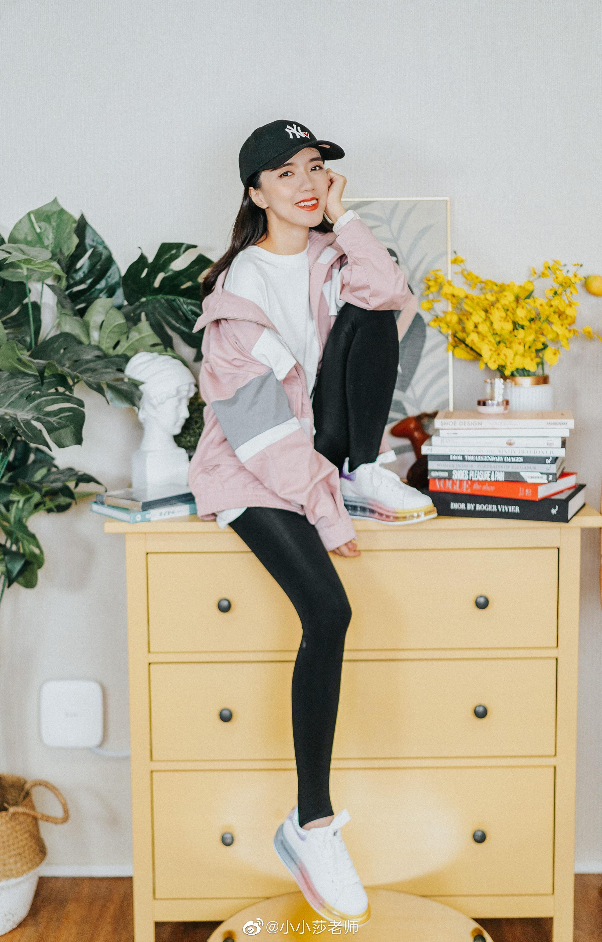 OOTD DAY 9⃣欧阳娜娜同款嘻哈拼接工装外套穿上立马显年轻你们