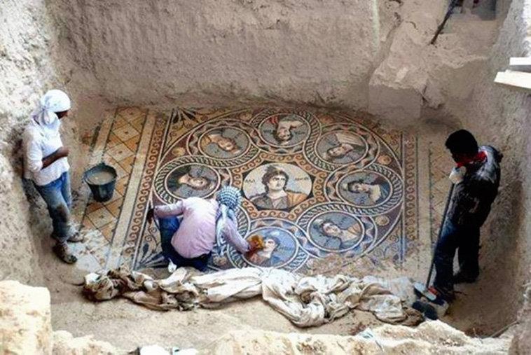 考古学家们于土耳其加齐安泰普省(Gaziantep)挖掘出的2200年前完存