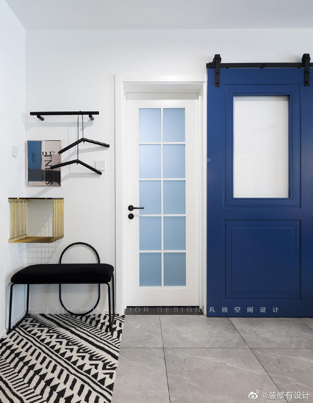 128㎡简约混搭风三居室,128平的家,用色彩诠释摩登生活方式!