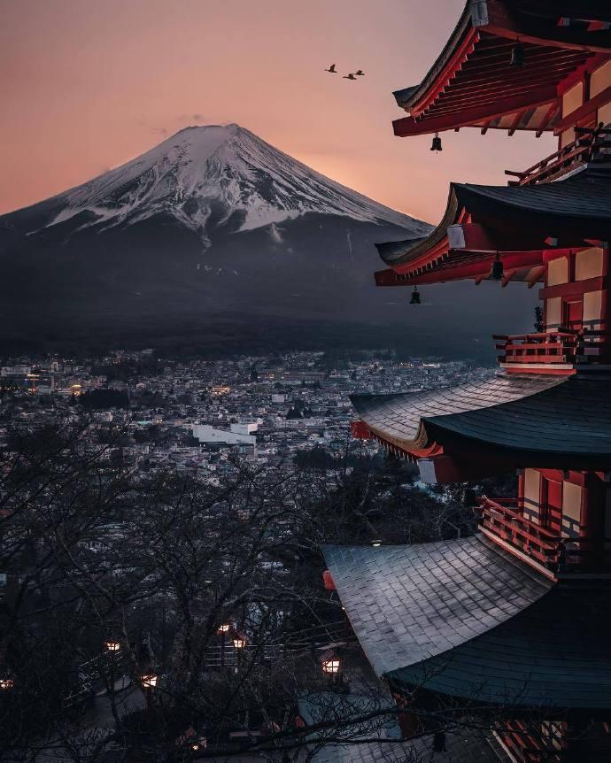 深秋,去一次富士山,邂逅一场久违的感动。