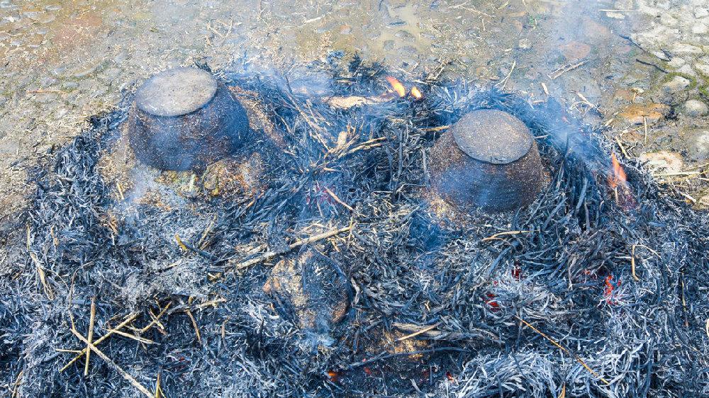 客家米酒传统制作工艺揭秘,尤其是第八道工序用火来烧,太神奇了