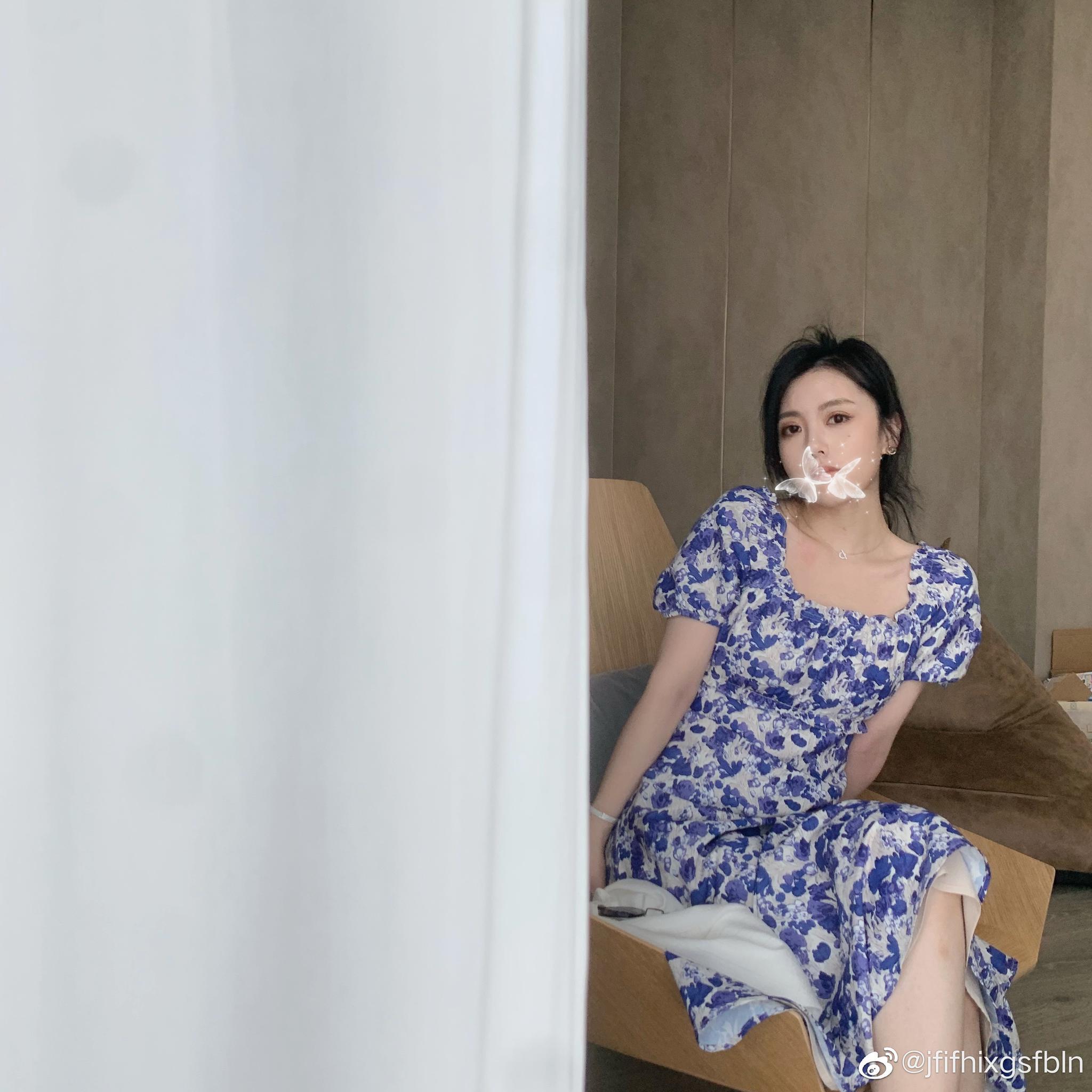 今天是穿塞纳花房 青瓷色的 白富美小姐姐feel