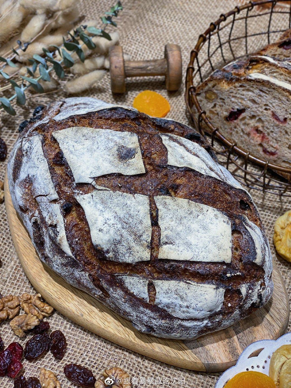 判断一个面包是不是全麦、够不够健康、是不是真的无糖