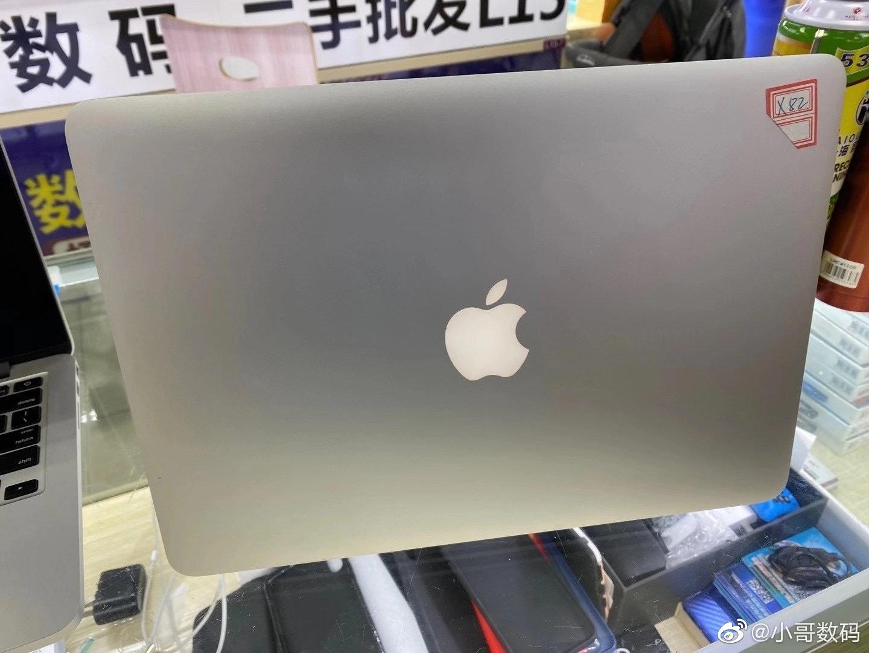 Macbook pro X82,配置:13