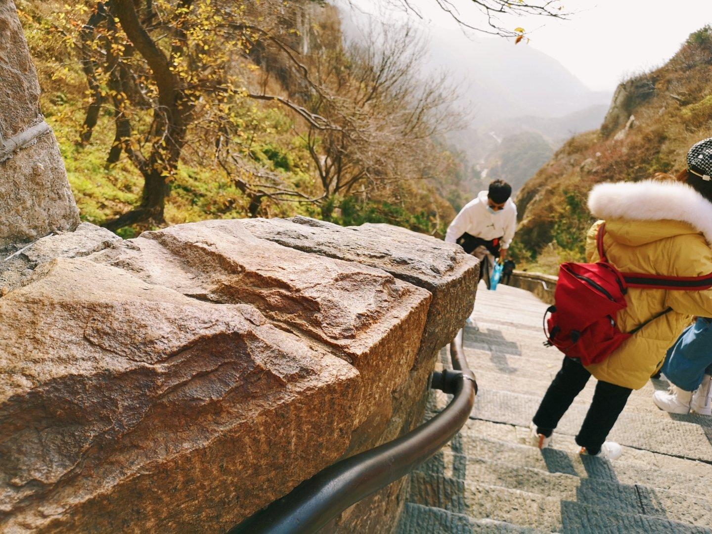 登泰山,感觉最难的就是十八盘这一段了,之前一直以为