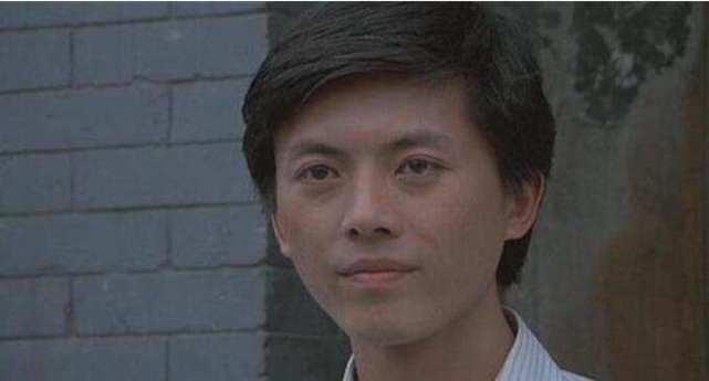 他生于演艺世家,被称为最帅反派,42岁患癌症英年早逝让人惋惜
