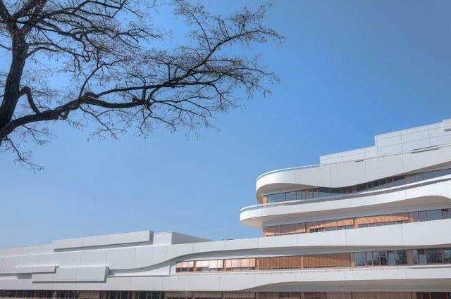 建筑设计,现代表现主义的线条…