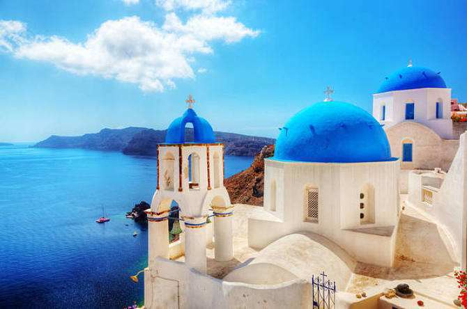 蓝色是天空,是大海,是屋顶,更似你心底的那抹纯净