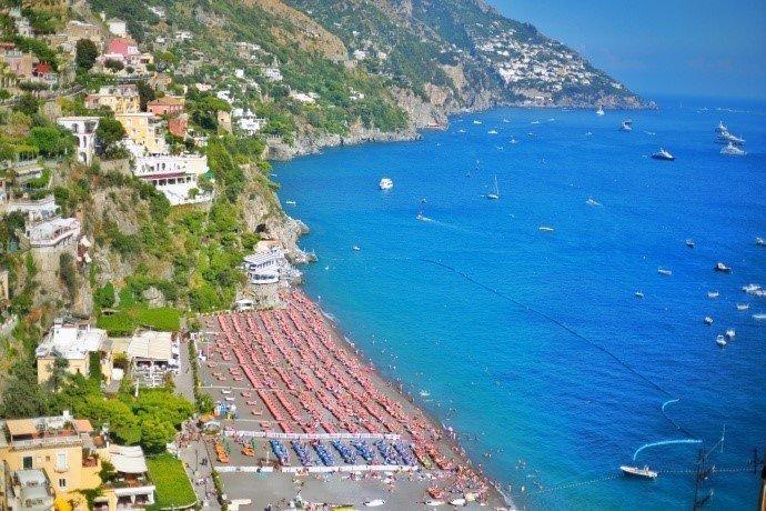 意大利波西塔诺·阿马尔菲海岸线上最美的小镇